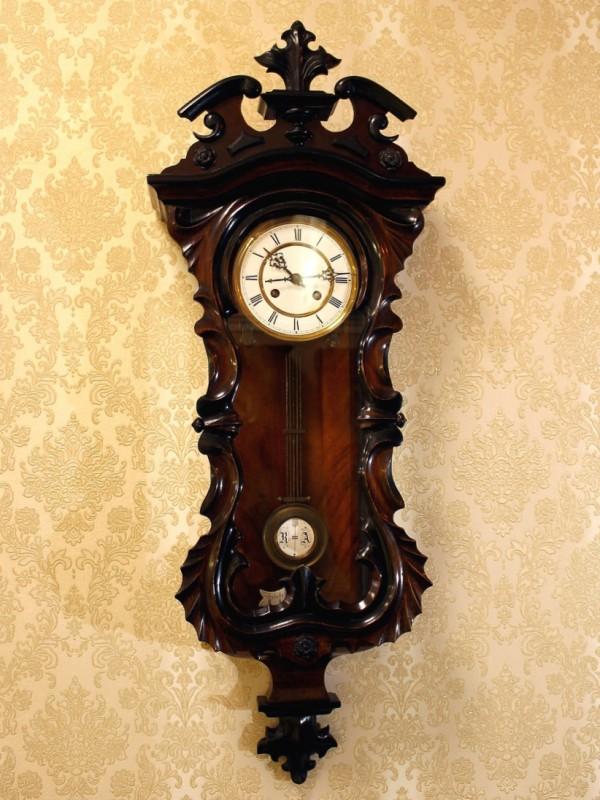 настенные часы Генри Мозер
