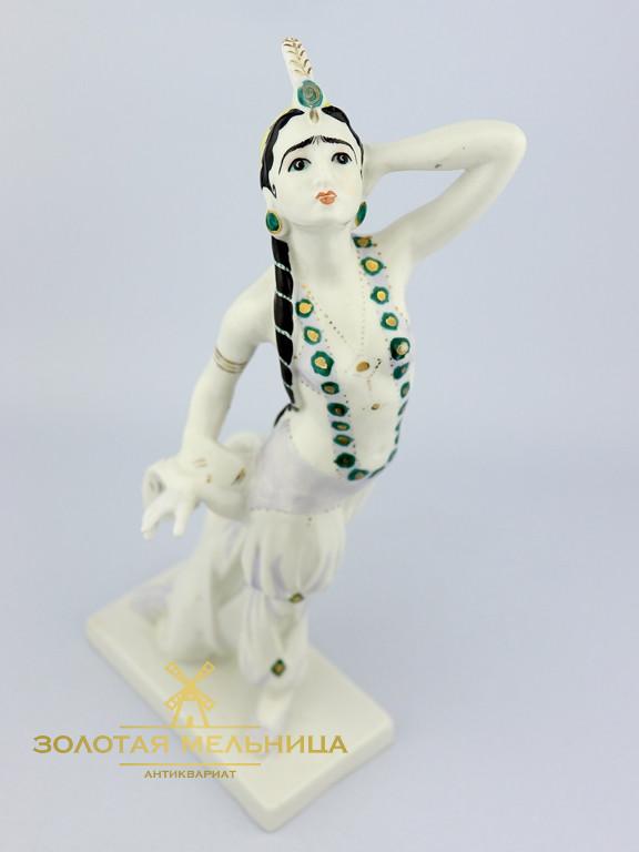 Ваша статуэтка бахчисарайский фонтан купить термобелья Преимущества